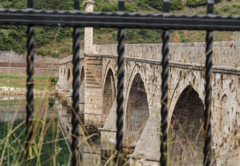 Vecchio ponte Visegrad fotografia stock libera da diritti