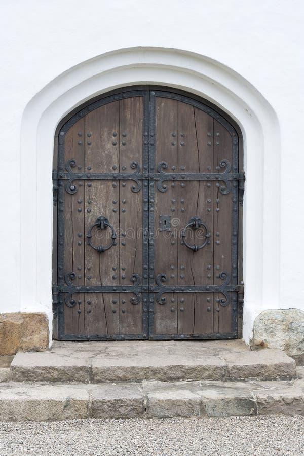 Vecchio portello della chiesa immagine stock