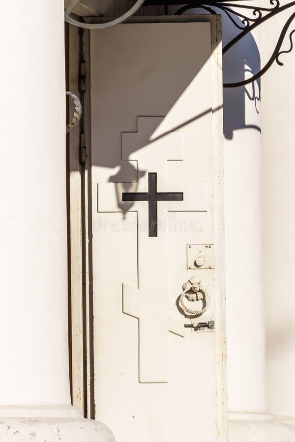 Vecchio portello della chiesa fotografie stock
