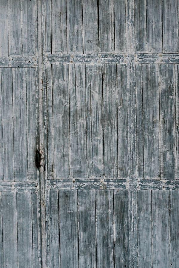 Vecchio portello di legno del cancello immagini stock