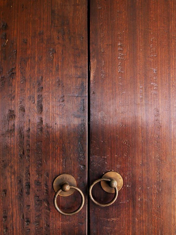 Vecchio portello di legno vicino fotografia stock
