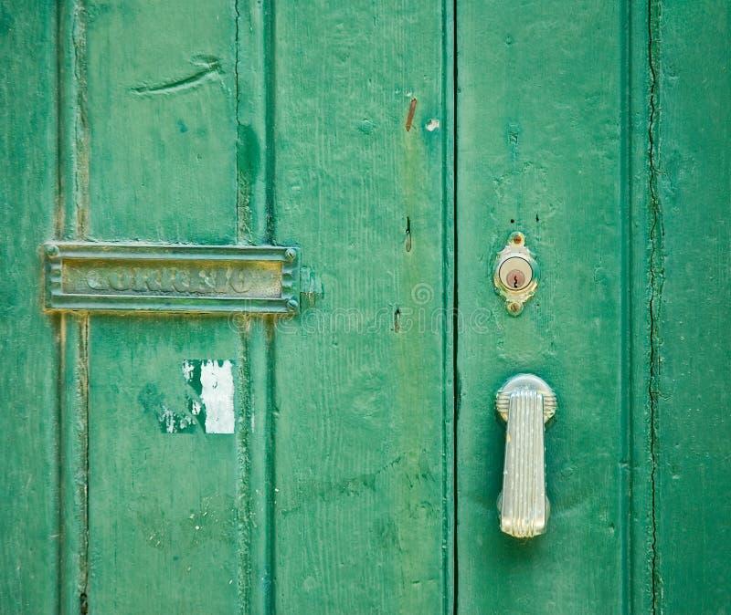 Vecchio portello verde fotografia stock