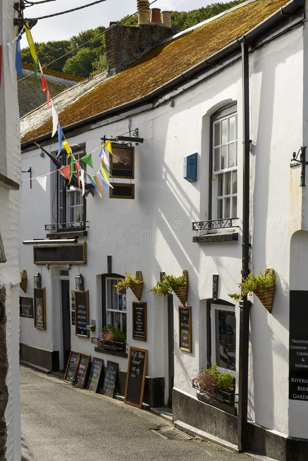Vecchio pub a polperro cornovaglia fotografia stock for Vecchio cottage inglese