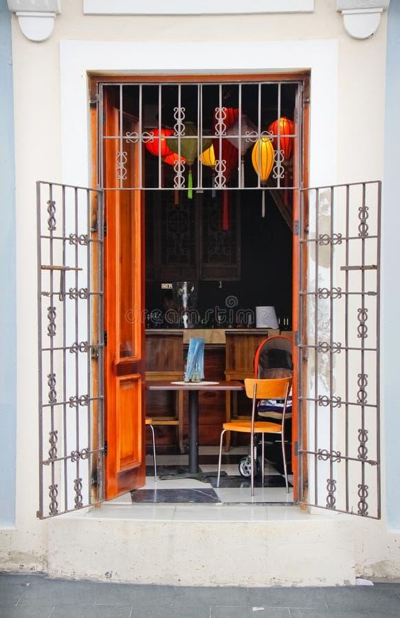 Vecchio San Juan - caffè al fresco caraibico fotografia stock libera da diritti