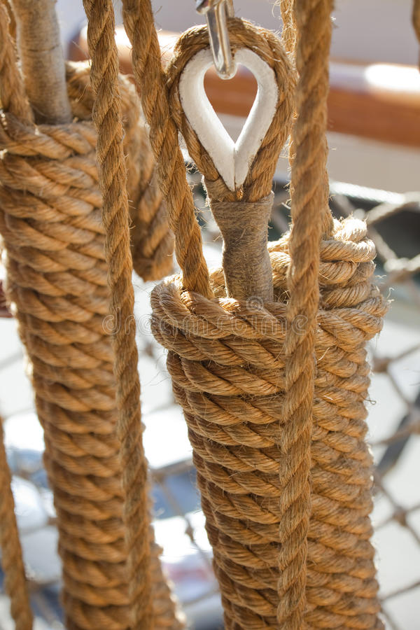Vecchio sartiame della barca di navigazione immagine stock
