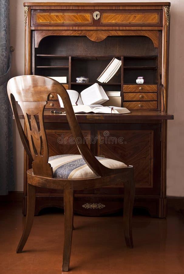 Vecchio scrittorio di scrittura immagine stock libera da diritti