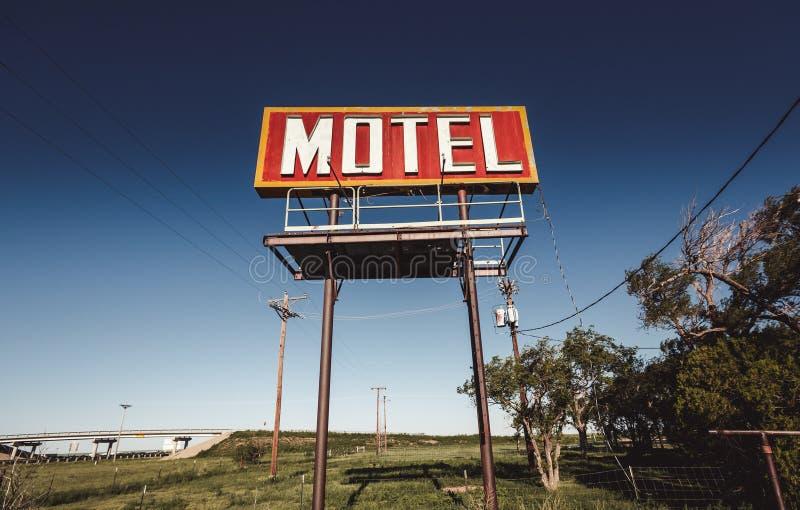 Vecchio segno del motel su Route 66 fotografia stock libera da diritti