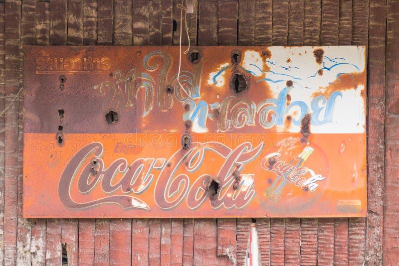 Vecchio segno della coca-cola immagini stock libere da diritti
