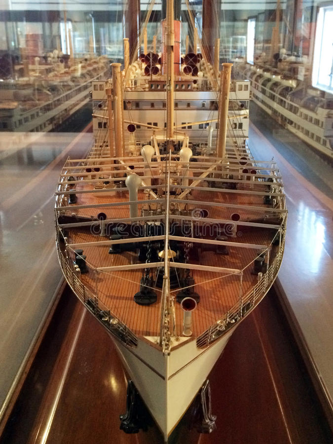 Vecchio spedisca il modello nel museo marittimo di Auckland fotografie stock libere da diritti