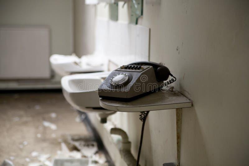 Vecchio telefono sporco fotografia stock libera da diritti