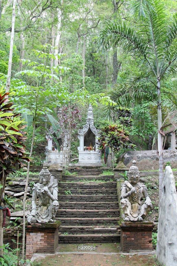 Vecchio tempio tailandese di Wat Phalad, Chiangmai, Tailandia del Nord immagini stock libere da diritti