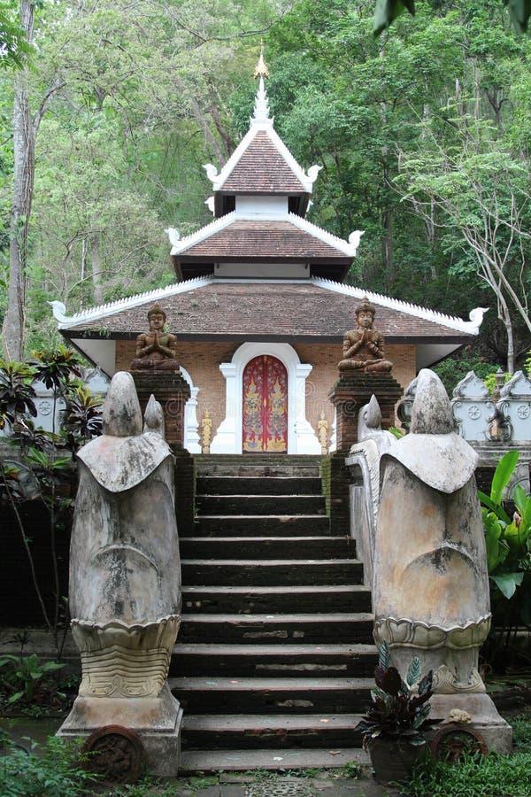 Vecchio tempio tailandese di Wat Phalad, Chiangmai, Tailandia del Nord immagini stock