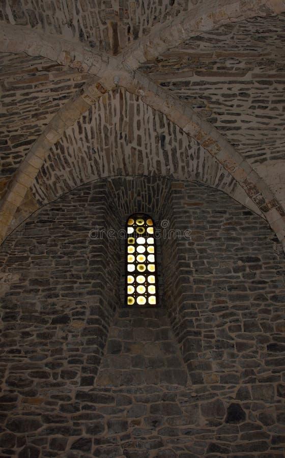 Vecchio tetto da una caverna, vecchi mosaici di vetro rotondi di secoli fotografia stock libera da diritti