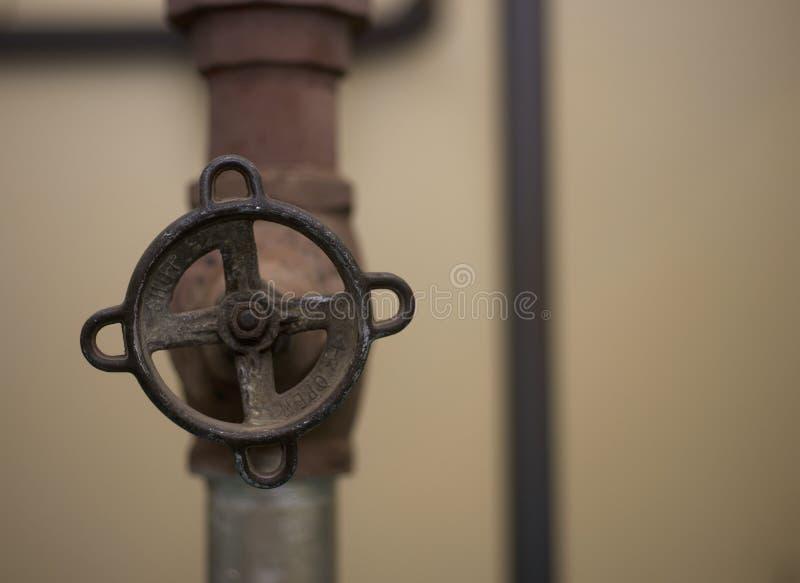 Vecchio tipo rubinetto del vapore immagini stock