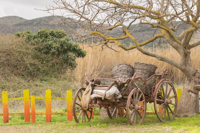 Vecchio trasporto fuori in un parco fotografia stock
