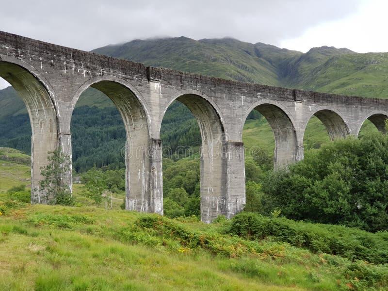 Vecchio treno di pietra Glenn di Harry Potter del ponte immagini stock libere da diritti