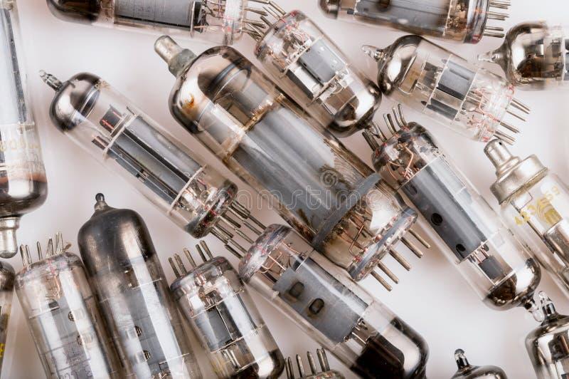 Vecchio tubo radiofonico elettronico di storia immagine stock libera da diritti