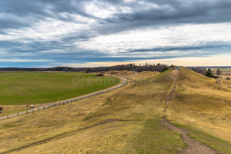 Vecchio Upsala - 8 aprile 2017: Tombe di Viking di vecchio Upsala, Swe immagini stock