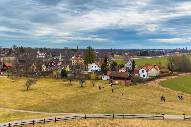 Vecchio Upsala - 8 aprile 2017: Tombe di Viking di vecchio Upsala, Swe fotografia stock libera da diritti