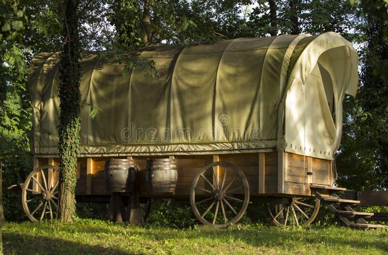 Vecchio vagone coperto immagine stock libera da diritti