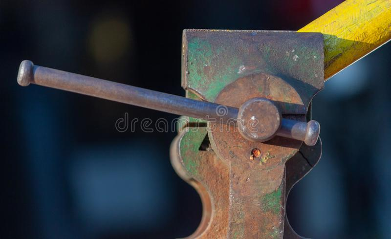 Vecchio vizio dei meccanici immagini stock