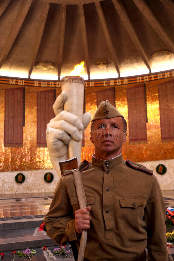 Vechter van Rood Leger in de vorm van tijden van Wereldoorlog II in royalty-vrije stock afbeelding
