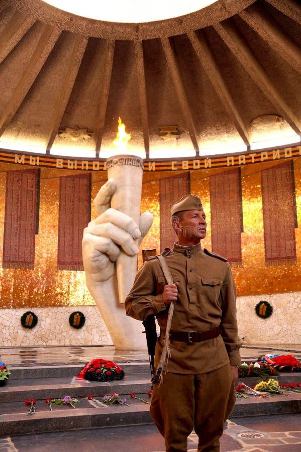 Vechter van Rood Leger in de vorm van tijden van Wereldoorlog II in stock foto