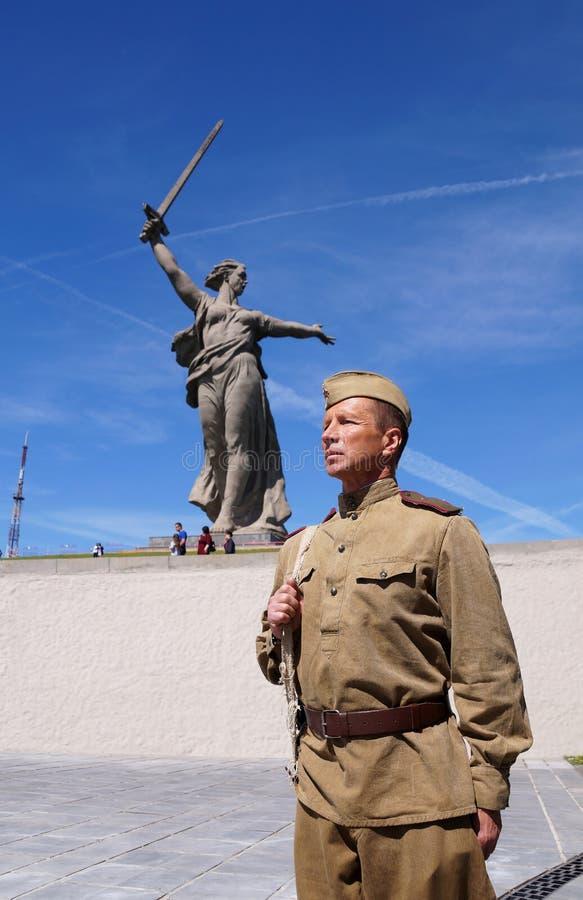 Vechter van Rood Leger in de vorm van tijden van Wereldoorlog II bij h royalty-vrije stock foto's
