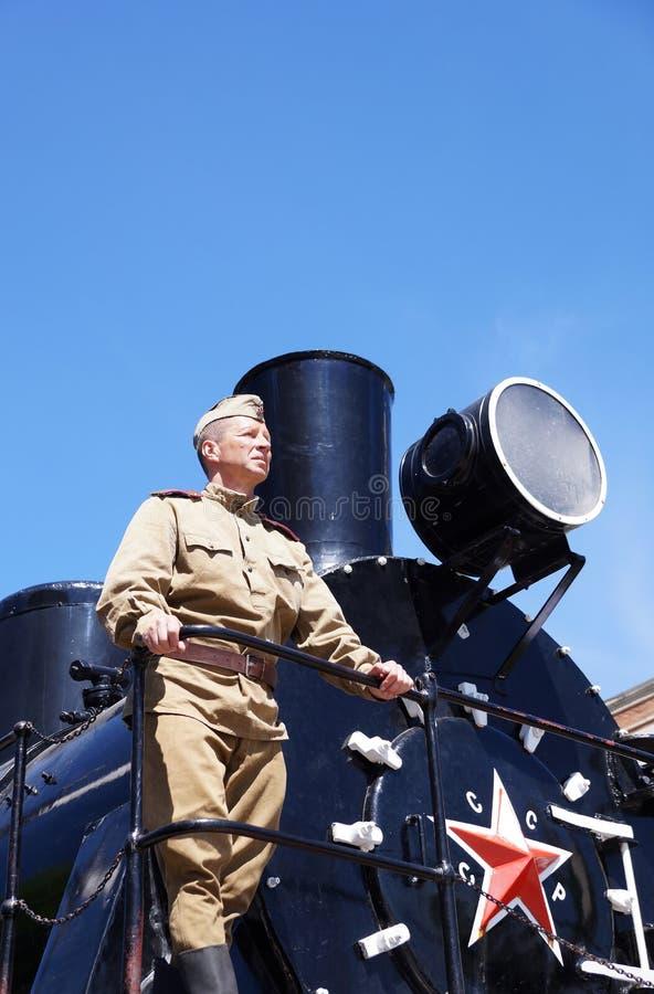 Vechter van Rood Leger in de vorm van tijden van Wereldoorlog II op stock afbeeldingen