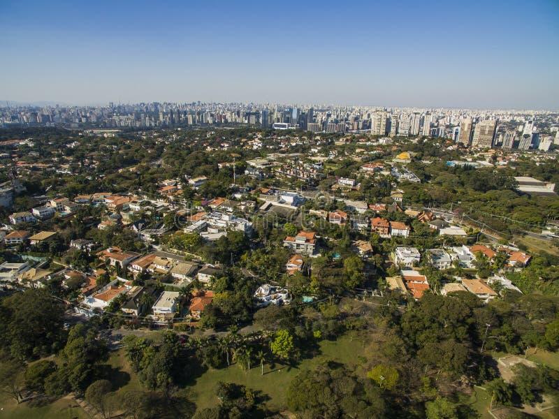 Vecindad de Morumbi, Sao Paulo, el Brasil fotos de archivo libres de regalías