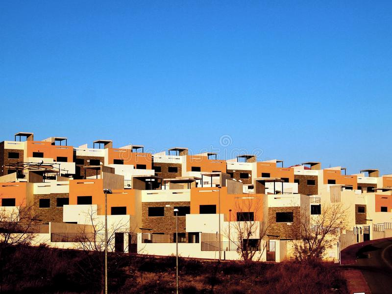 Vecindad moderna alrededor de Granada, España, España meridional imagen de archivo
