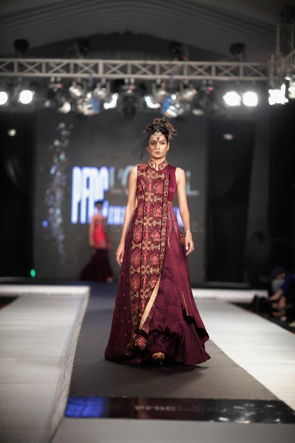 Vecka 2012 för mode för nedgång för råd för Pakistan modedesign (PFDC) royaltyfri fotografi