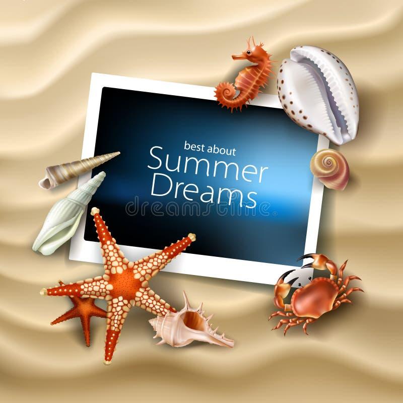 Vector рамка фото лежа на предпосылке песчаного пляжа моря с seashells, камешками, морскими звёздами и крабом иллюстрация штока