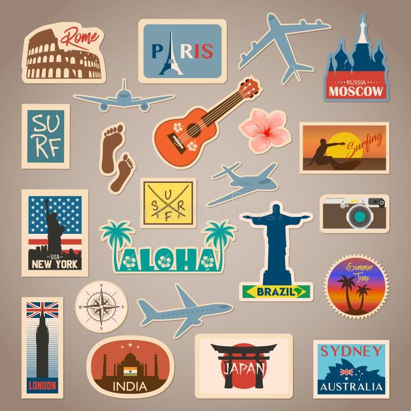 Vector стикер перемещения и комплект ярлыка с известными странами, городами, памятниками, флагами и символами в ретро или винтажн иллюстрация вектора