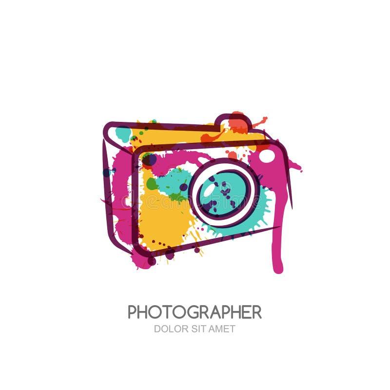 Vector Aquarellillustration der bunten digitalen Fotokamera Abstrakte Logodesignschablone stock abbildung