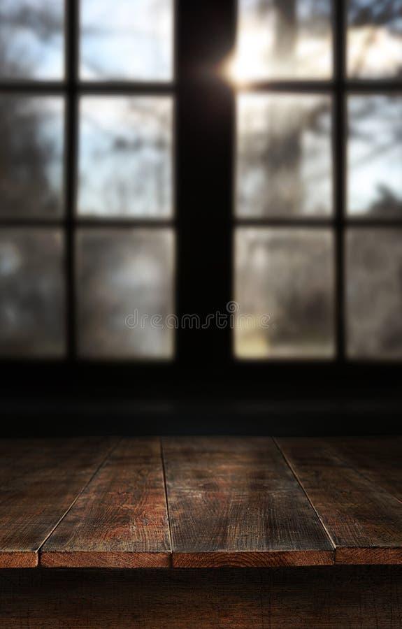 Vector de madera con la ventana grande fotos de archivo