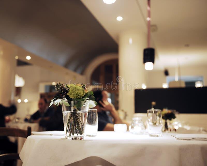 Vector en el restaurante fotografía de archivo libre de regalías