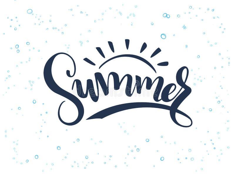 Vector Handbeschriftungs-Sommertext über Meer mit Gekritzeloberteilen und -blasen lizenzfreie abbildung