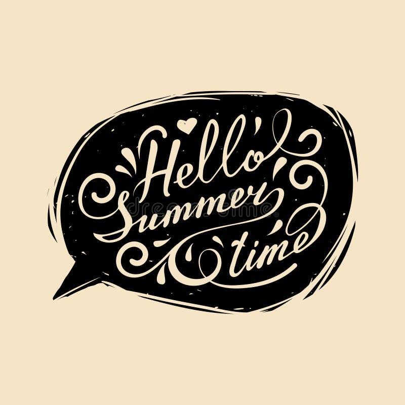 Vector la mano que pone letras a tiempo de verano inspirado del cartel de la tipografía hola en burbuja del discurso stock de ilustración