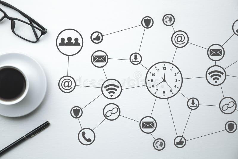 Vector moderne illustratie in vlakke stijl met de mannelijke chronometer van de handholding Sociaal netwerk Bedrijfs concept stock afbeeldingen