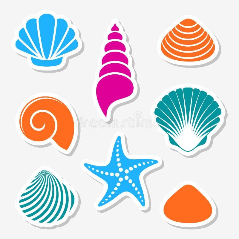 Vector overzeese shells en zeesteretiketten vector illustratie