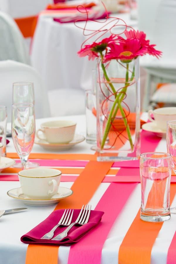 Vectores anaranjados y rosados de la boda fotos de archivo libres de regalías