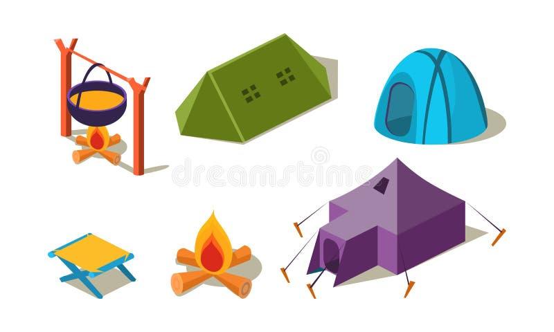 Vectorreeks van isometrisch het kamperen materiaal Verschillende tenten, stoel en ketel van soep over kampvuur Actieve recreatie stock illustratie