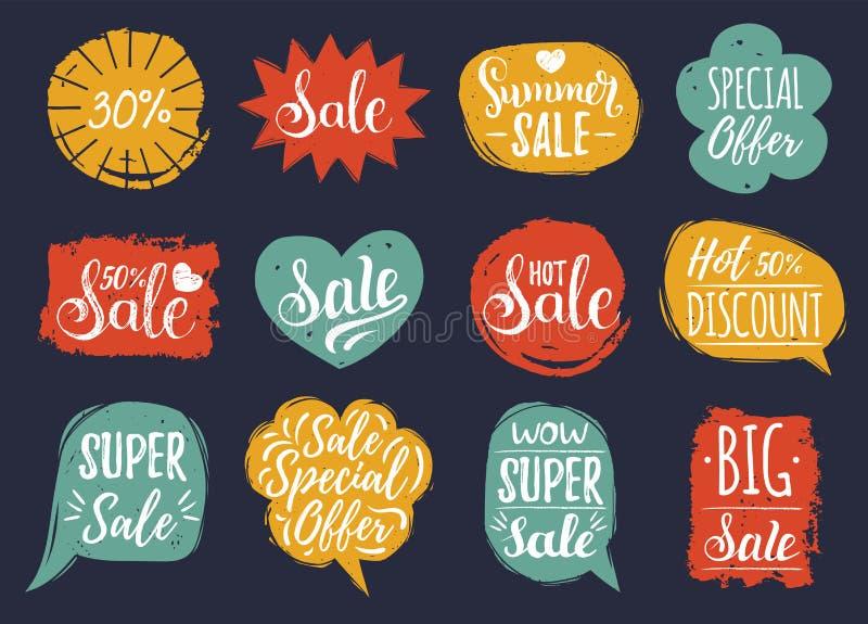 Vectorreeks van Verkoop het van letters voorzien in grappige toespraakbellen De inzameling van kortingskaarten van Speciale aanbi vector illustratie