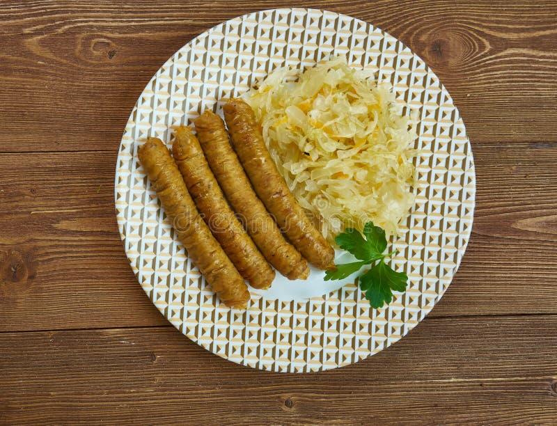 Vedarai de Bulviniai - salchicha lituana, diversos tipos de salchicha o intestino relleno con un relleno hecho de una combinación fotografía de archivo libre de regalías