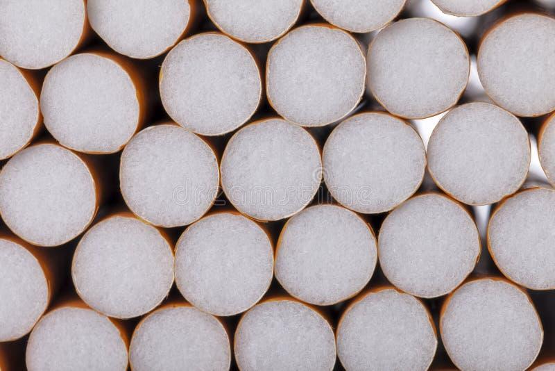 Veel tabakssigaretten met filter royalty-vrije stock afbeelding