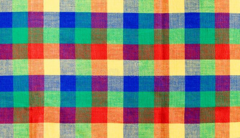 Veelkleurig gecontroleerd tafelkleed stock afbeelding