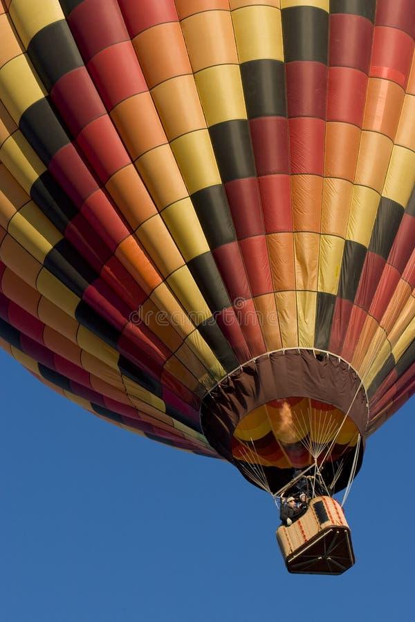 Veelkleurige hete luchtballon   royalty-vrije stock afbeeldingen
