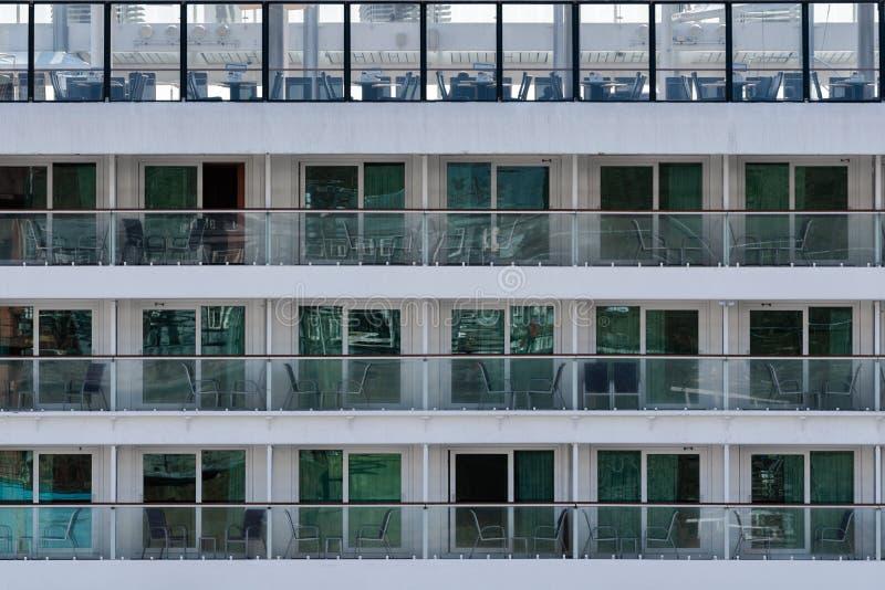 Veelvoudig dek, cabines, flats van het Noorse Juweel van de Cruisevoering stock afbeelding