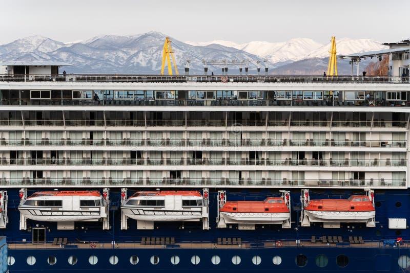 Veelvoudig dek van van de de passagierscruise van de luxeexpeditie het Millennium van de de Voeringsberoemdheid royalty-vrije stock afbeelding